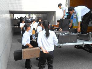 松元サービスの楽器輸送 小編成 吹奏楽楽器 4tエアサス パワーゲート車