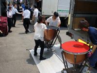 松元サービスの楽器輸送 吹奏楽楽器 ティンパニ 4tエアサス パワーゲート車